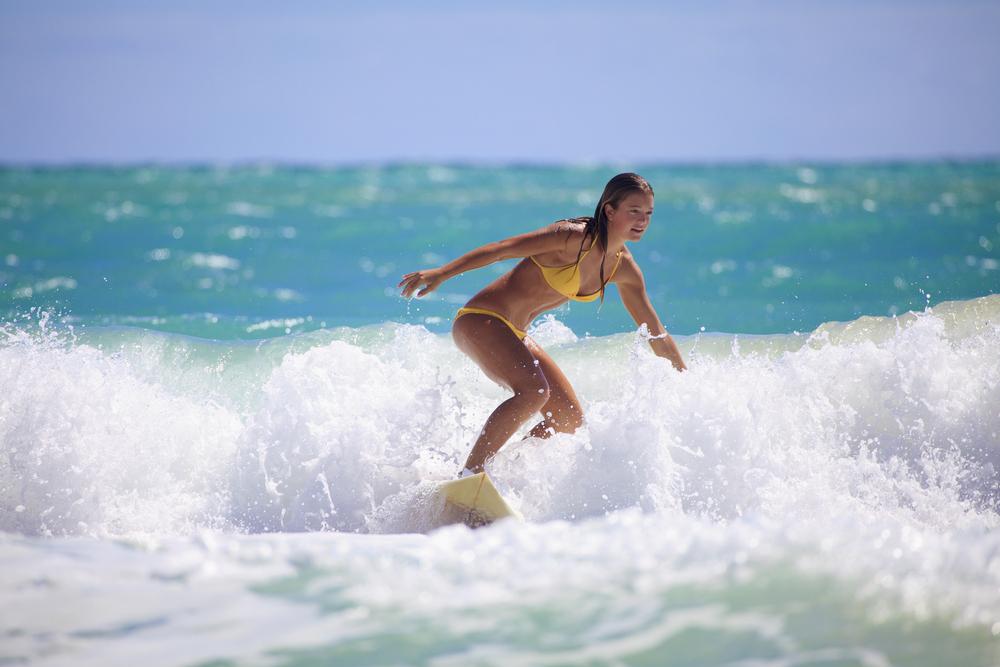 憧れ!サーフィンができる女の子!
