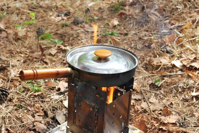 秋冬のソロキャンプで食べたい人気キャンプ飯12選!簡単で絶品レシピをご紹介!