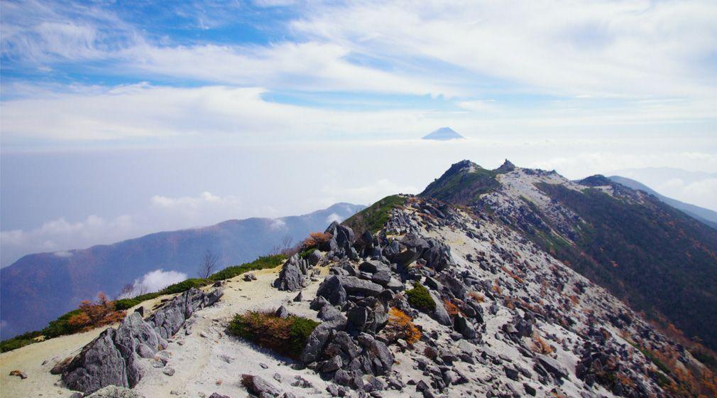 忘れがたいあの道を、もう一度| #06 山梨県・鳳凰三山  鳳凰の翼のような稜線を歩く