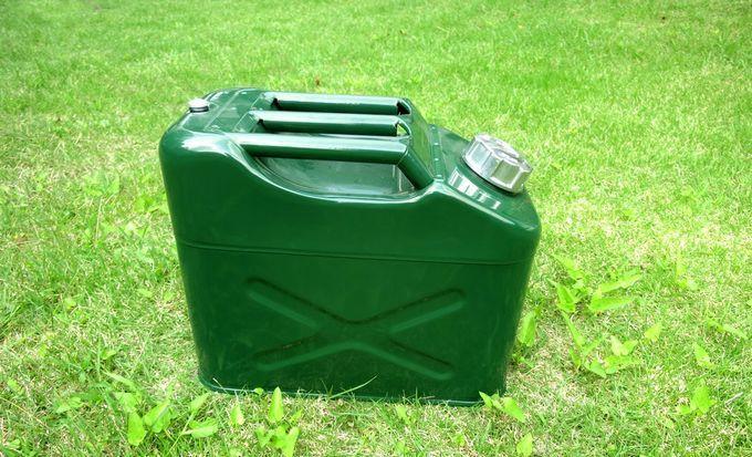 キャンプで灯油を持ち運びする容器(灯油缶)選び ~ ポリタンクかガソリン携行缶か