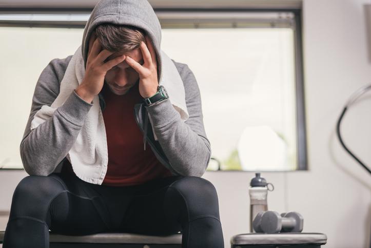 トレーニング・練習のしすぎで起きる「オーバートレーニング症候群」とは。原因・症状・予防法を解説