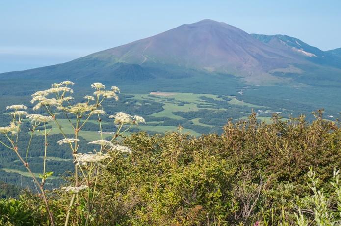 浅間隠山|山頂から浅間山を望む!初心者でも登れる日帰り登山コース