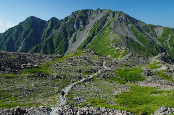 農鳥岳|南アルプス屈指の稜線美を望む!登山コースとアクセス情報