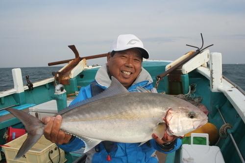 誰もが舌鼓する出世魚、カンパチ!狙う大きさによって釣法も変わる!?釣りも味わいも魅力たっぷりのカンパチに迫ります!