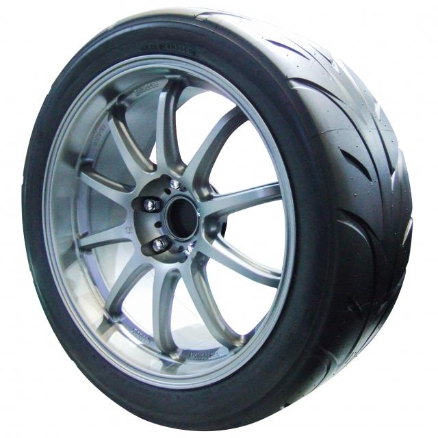 走りを楽しみたい方向け!スポーツ系タイヤ5つのタイヤブランドの特徴や製品へのこだわりを調査!