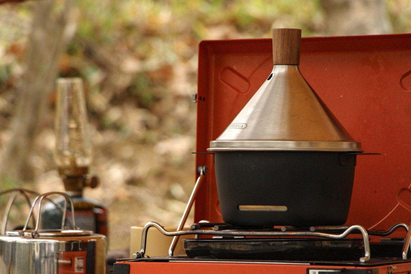 【レビュー】アペルカのテーブルトップスモーカーは家でもキャンプ場でも、ちょっと燻製したい時に便利な燻製器