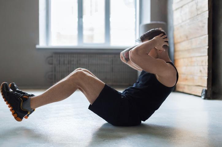 お腹を引き締める筋トㇾ「腹筋運動」の効果的なやり方