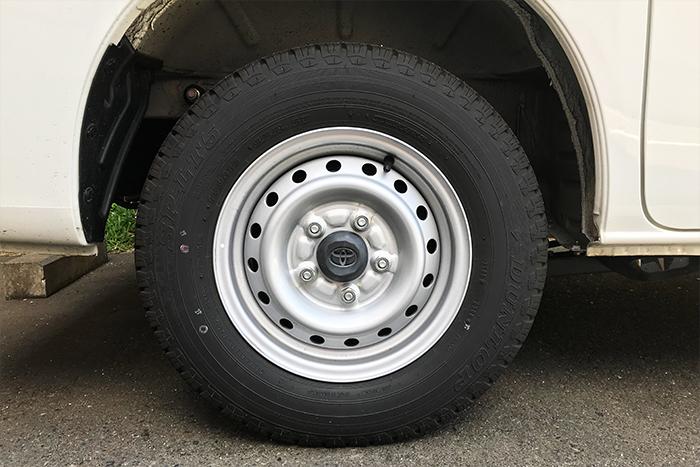 【キャンピングカーのタイヤ】タイヤの基本を覚えてバーストを避けよう!