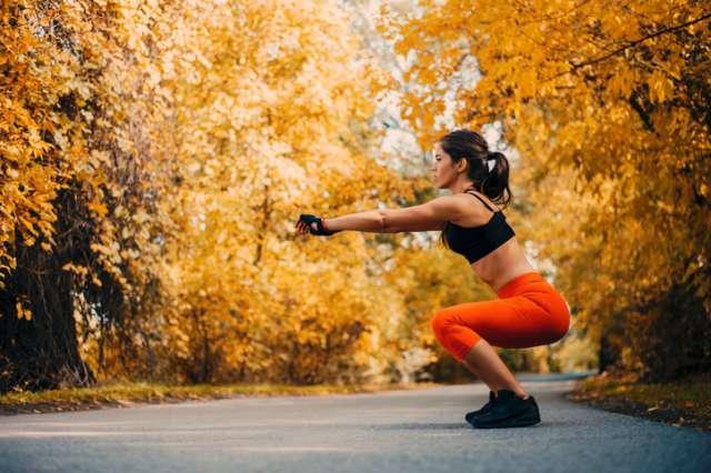 マラソン走るならスクワットで下半身強化!その効果とやり方は?