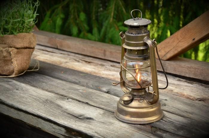 ガソリン・灯油・アルコールを保存する容器の正しい素材について