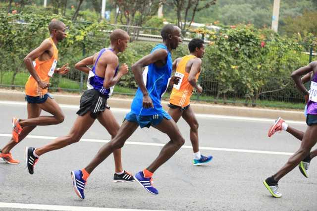 マラソンのペースメーカーとは?誰が何のために走っているの?
