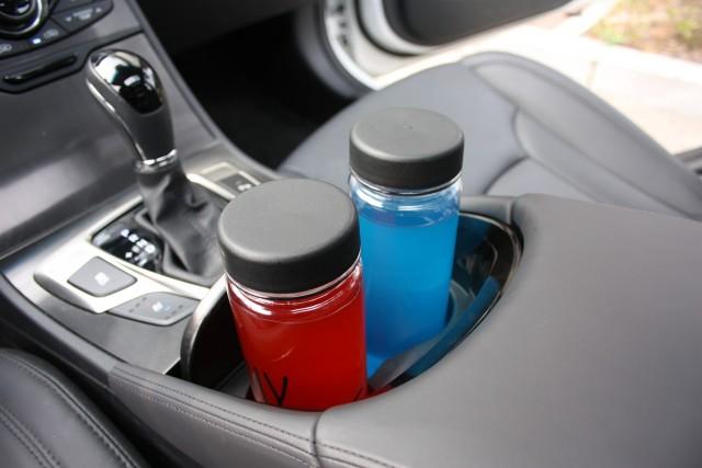 車のドリンクホルダーおすすめ20選!保冷保温機能付など選ぶ時の6つのポイントとは?