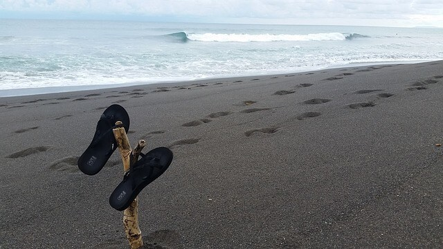 サーフィン用ビーチサンダル人気ブランド5選!おすすめはこれ!