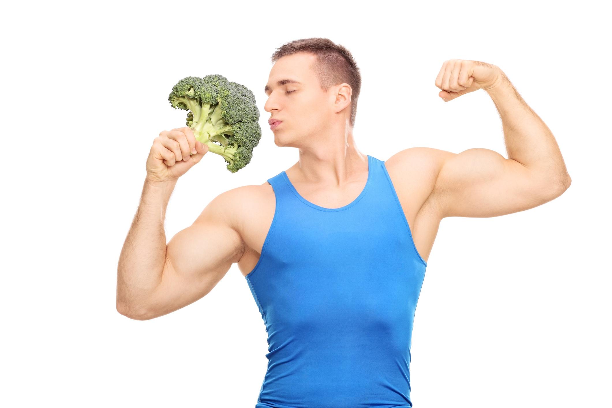 なぜブロッコリーは筋トレ民に人気?栄養素、効果的な食べ方、1日の摂取量、料理のコツを栄養士に聞いてみた