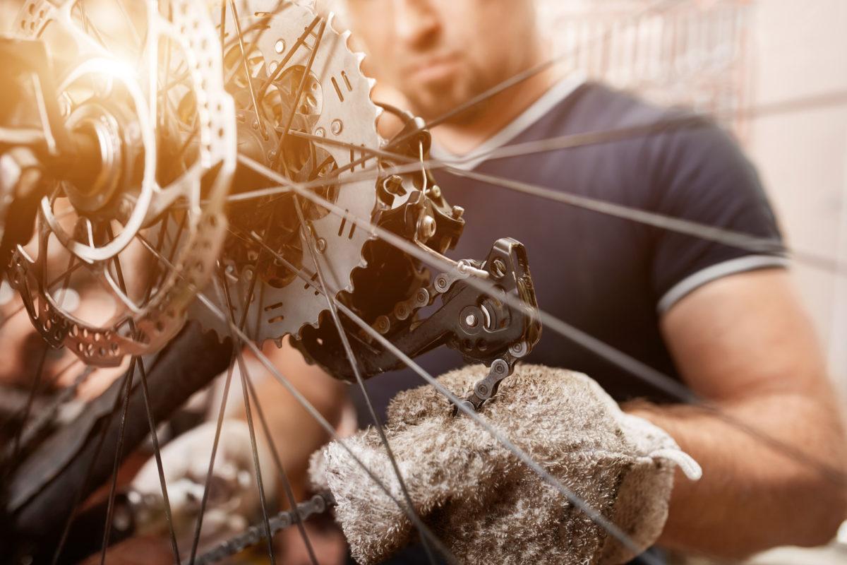 重いペダルが見違える!毎日でもやりたいロードバイクのチェーン洗浄方法