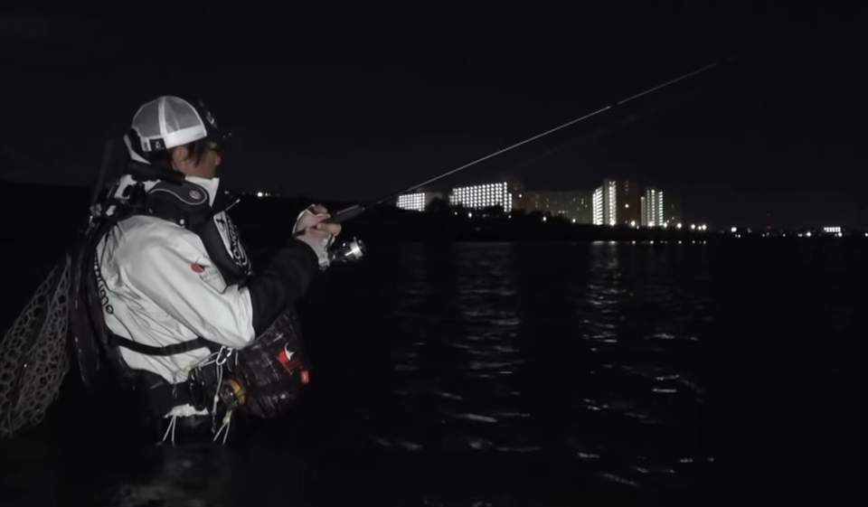 シーバスのナイトゲームを楽しもう!基本的な釣り方とおすすめルアー特集