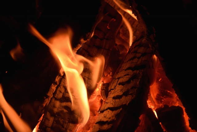バーベキュー時にカッコ良く火起こしをしたいアナタへ!コツ伝授します