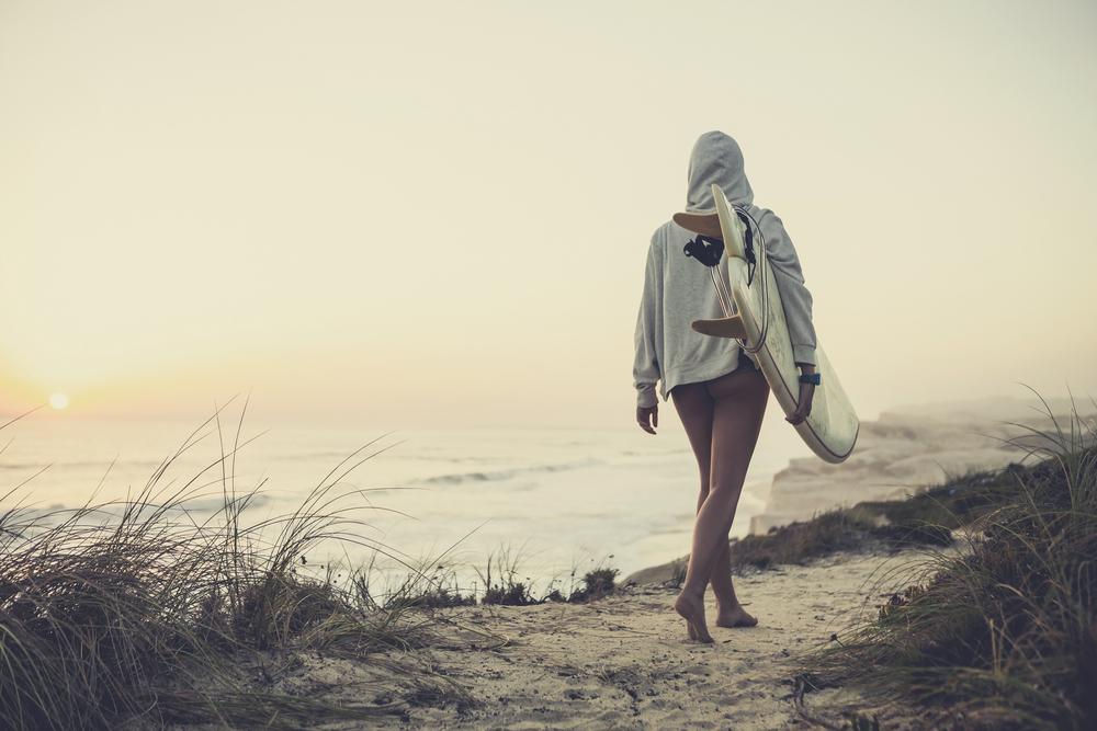 サーフィンを楽しむには服装も重要!皆さんはどんなスタイル?