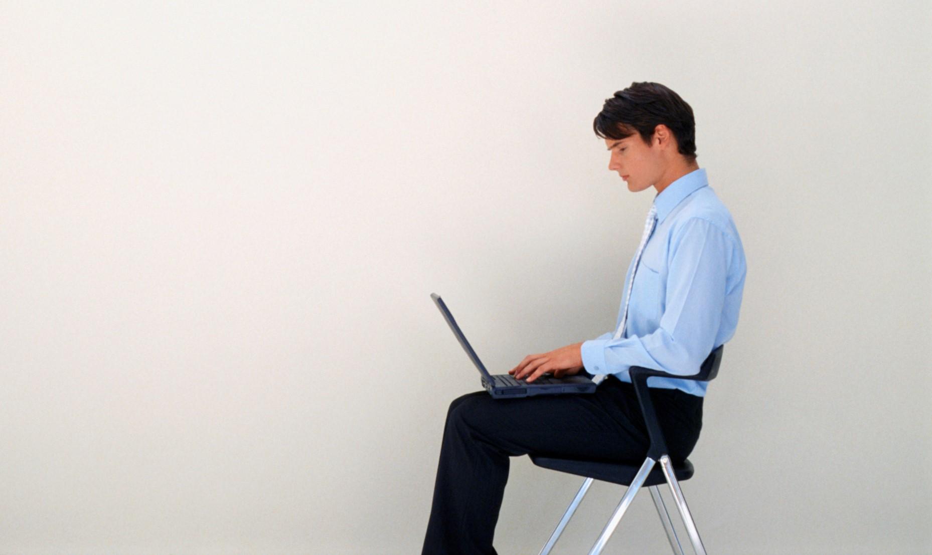 """だるいのは""""姿勢の悪さ""""が原因かも。「正しいイスの座り方」を専門家が伝授"""