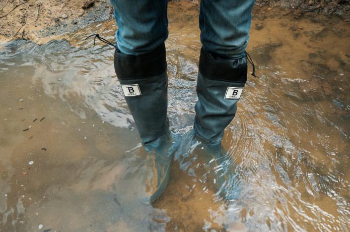 コンパクト&スタイリッシュな長靴『日本野鳥の会・レインブーツ』を釣り人目線でレビュー。