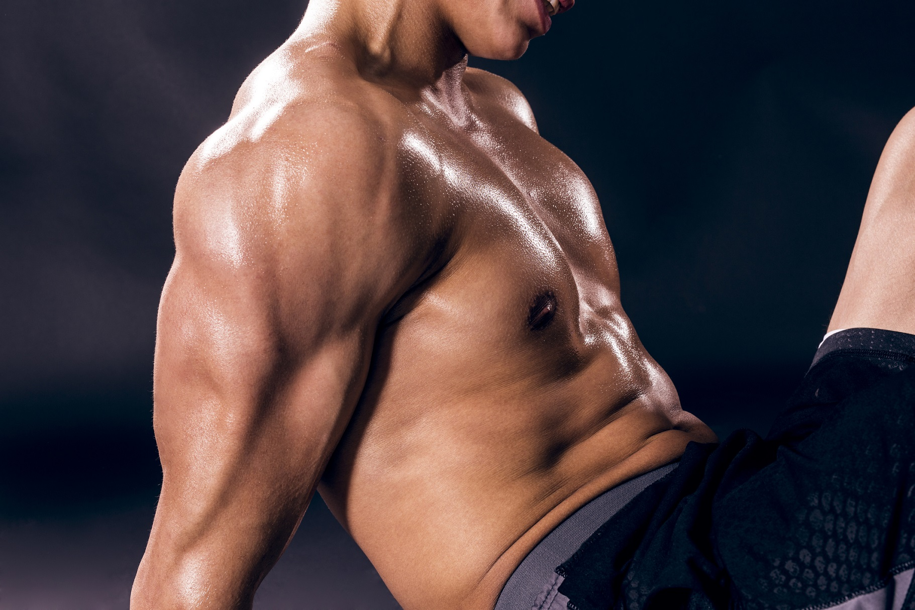 体脂肪を減らせば腹筋も割れる。シックスパックを作る条件と鍛え方