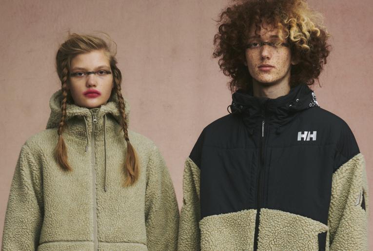 アンダーカバー×ヘリーハンセン、随所のグラフィックで魅せる都会的セーリングジャケット。