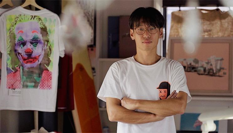 「海ゴミ問題の新たな切り口を作家独特の色彩世界で」ステンシルアーティスト赤池完介の個展が茅ヶ崎で開催