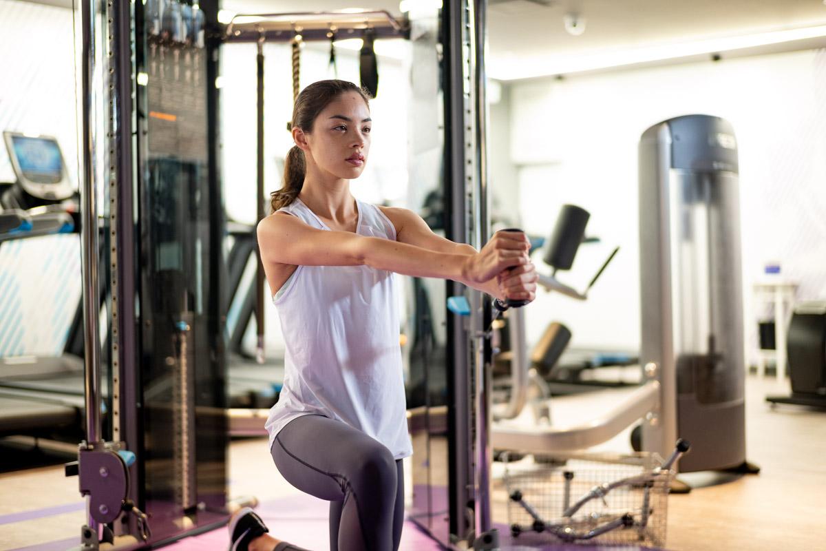 ランニングに重要な可動域を広げる スタンディングトレーニング