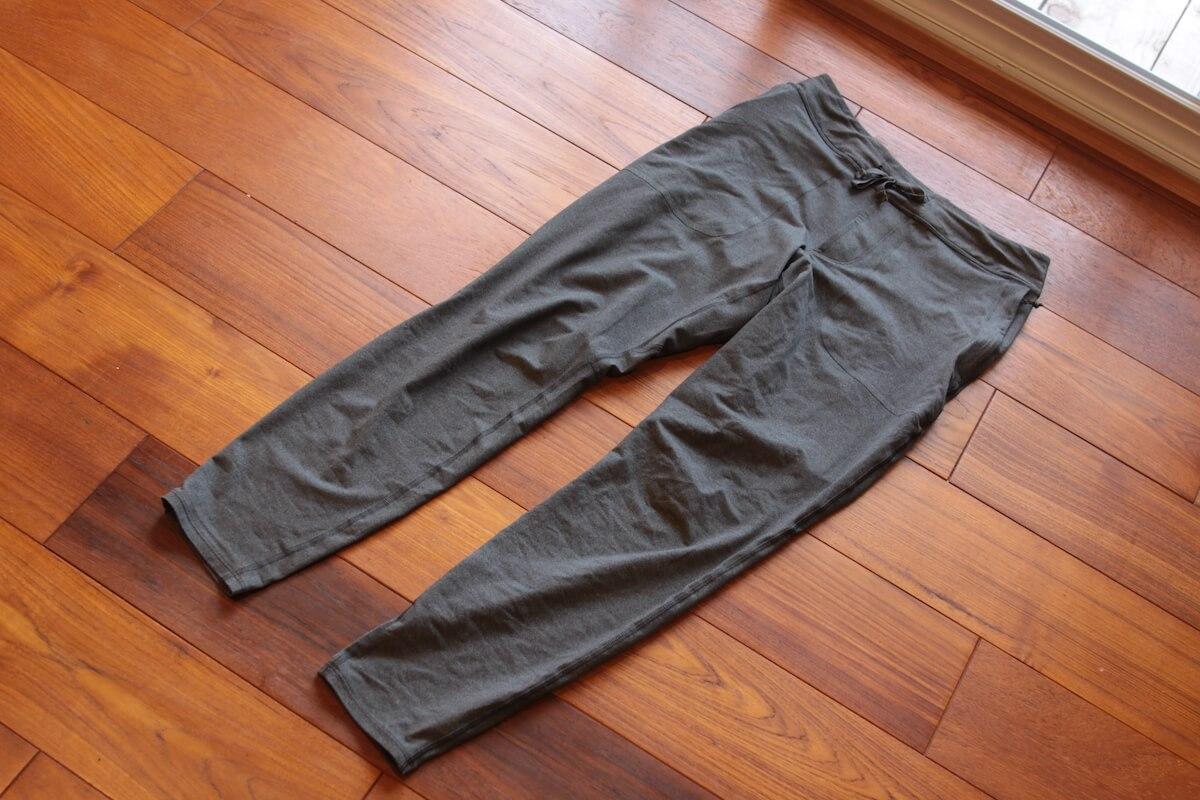 パタゴニアのパンツ「トレイル・ペーサー・ジョガーズ」軽くて暖かく場所を選ばず履ける