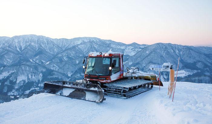 白馬のスキー場で「スノーマシンフェスタ」開催【重機・メカ・乗り物好き集合!】