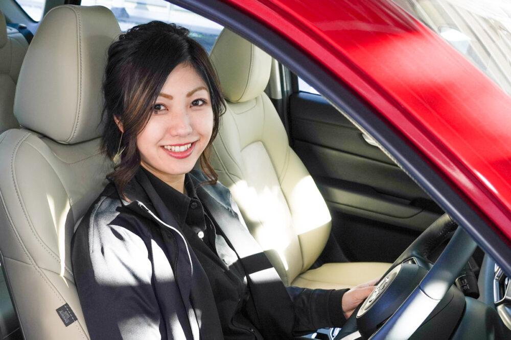 ドライビングポジション・シートやハンドルの正しい調整方法|マツダの女性開発者がベスポジ指南!