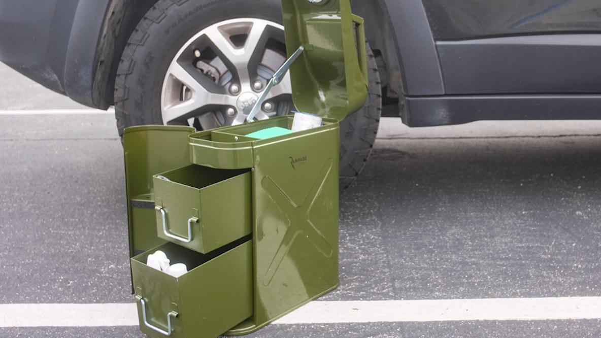 金庫がわりに使える鍵付きツールボックスが、家の中やアウトドア、車の中で大活躍|アウトドアな家暮らし