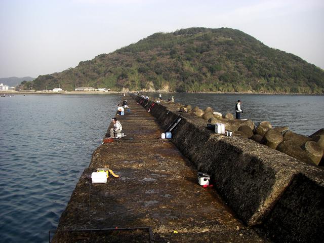 渡船で渡るワンランク上の堤防釣り 佐賀・唐津一文字