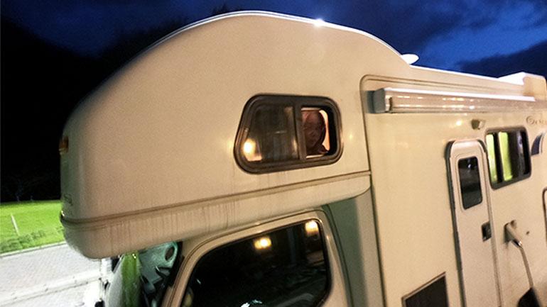 キャンピングカー旅で実際にあった、真夜中の恐怖&不思議体験