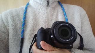 キャンプでの撮影に!アウトドア向きカメラストラップのおすすめ3選 付け方も紹介
