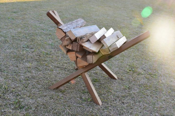 DIYマスターの@hatanaka.famさんに教わる!「究極の薪置き」の作り方【4ステップ】