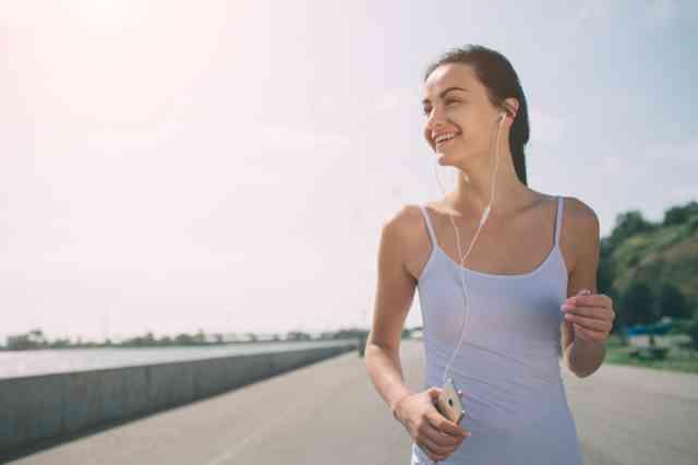 毎日の30分ウォーキングの脂肪燃焼効果を最大限に高める10のコツ