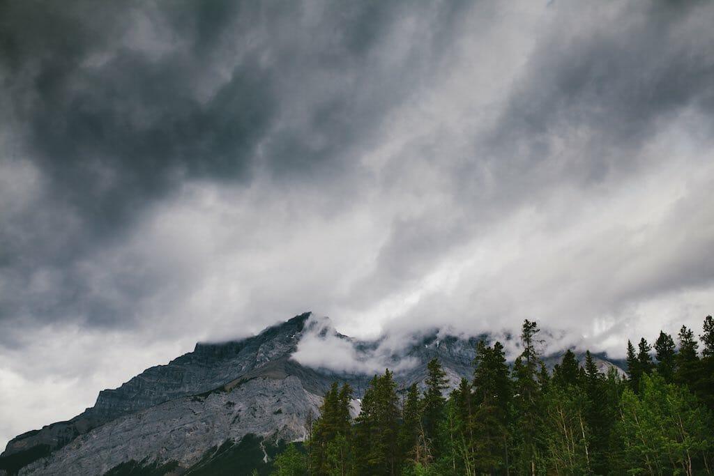 全天候型行動から雨天中止へ(1) – 岩崎元郎の山談義