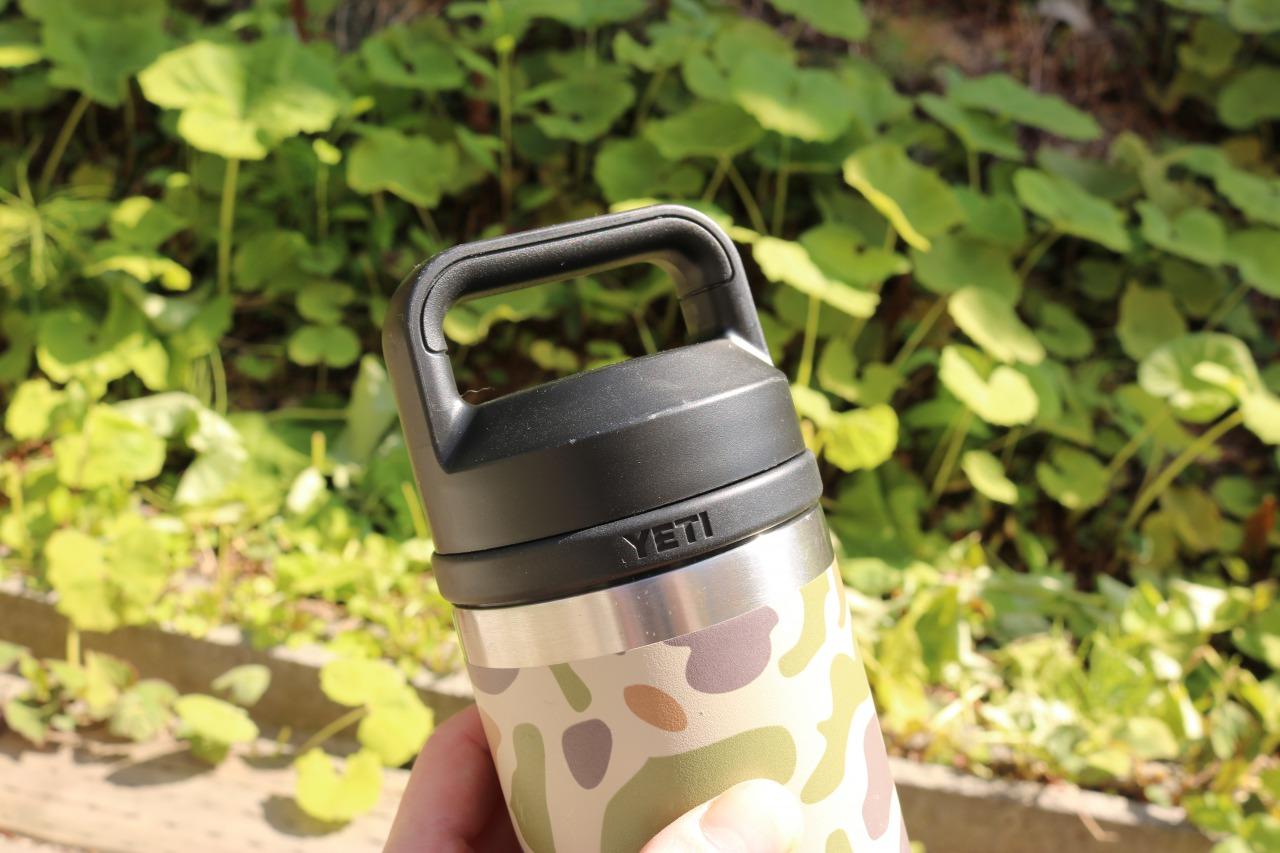 人気すぎる「YETI」ボトルを、夏仕様にカスタマイズ!100%漏れないキャップとは…? マイ定番スタイル