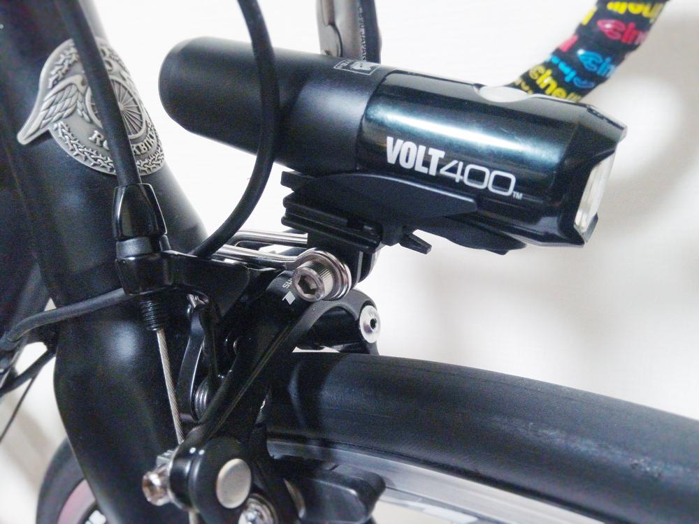 【初心者向け】ロードバイクのライトをスッキリと取り付ける方法