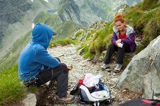 山頂への道のりが楽しくなる!?登山における行動食の役割とは? 選び方とおすすめ商品をご紹介!