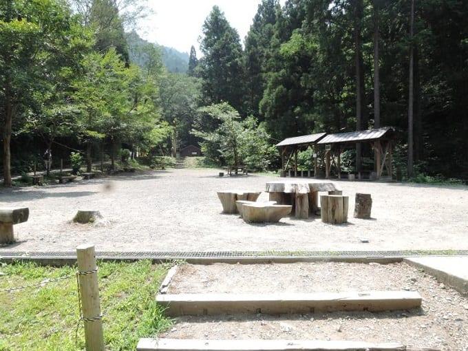 四季折々の自然が楽しめる、完全予約制の無料のキャンプ場『日影沢キャンプ場』:東京都八王子市