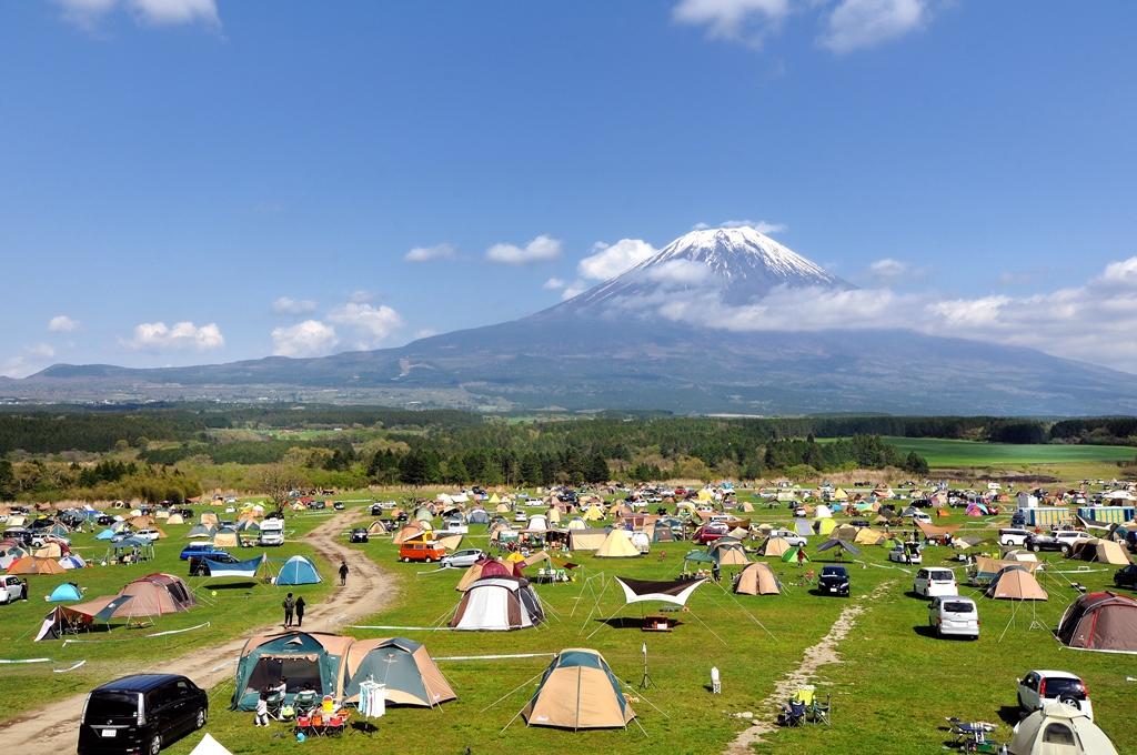 ふもとっぱらキャンプ場 富士山のふもと~頂上まで見える絶好ロケーション