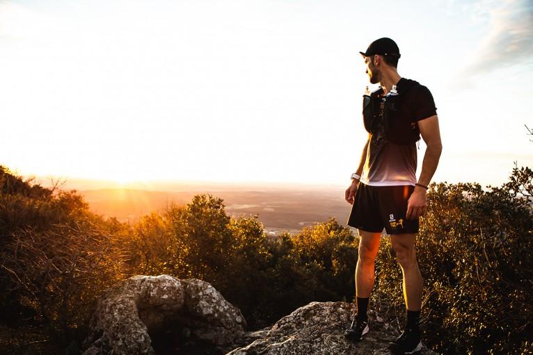 サロモンが、世界的なトレランレースシリーズ「Golden Trail Series」とのコラボによって、新型コロナウイルス感染症拡大防止に協力。赤十字国際委員会への寄付を発表。