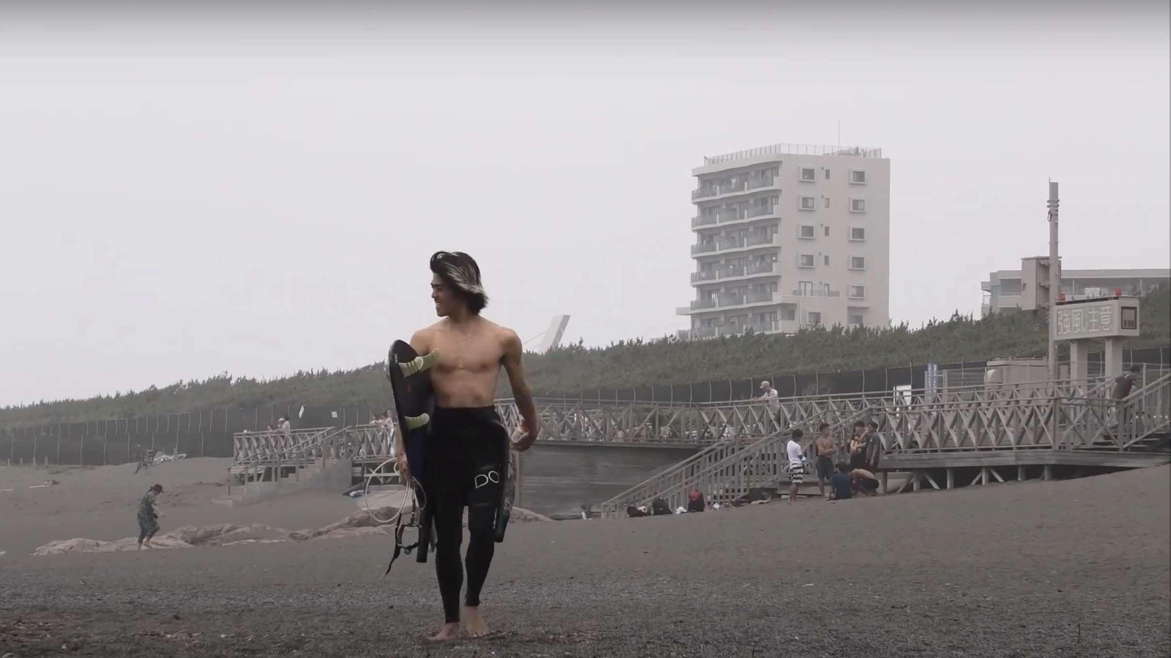"""【6/28(日)】Joistik surfboardsのPU製""""SilentDavage""""モデルに乗る村上蓮と、EPSカーボロード製""""MINDJAR""""モデルに乗るサーフスケートチャンプ澤田昇太によるサンデー湘南セッション"""