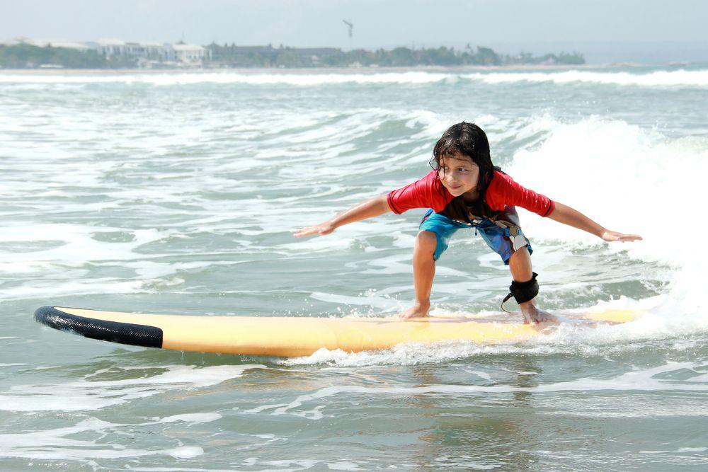 サーフィン初心者向け!テイクオフに重要なトレーニンググッズ7選
