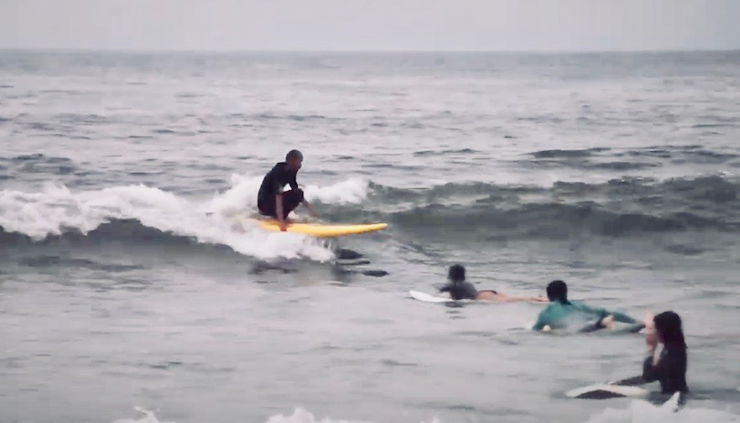『無限の可能性を秘めた88サーフボード』中村光貴のフィンレスサーフィン映像