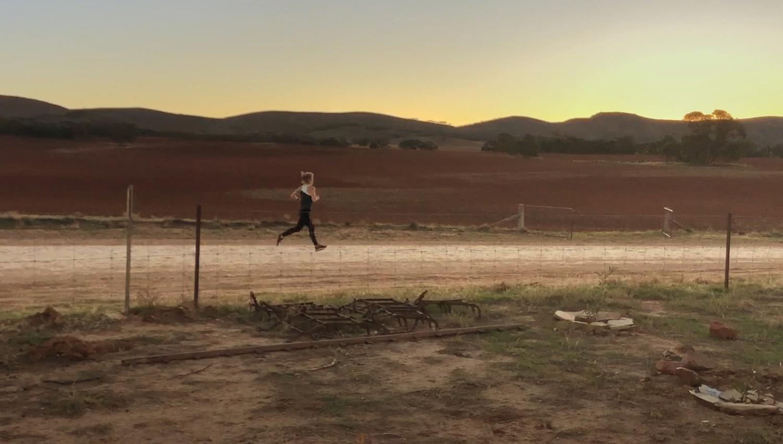 """""""人は有事になると走る""""は本当だった。健康心理学者がASICSの意識調査から読み解いた人間の行動心理"""