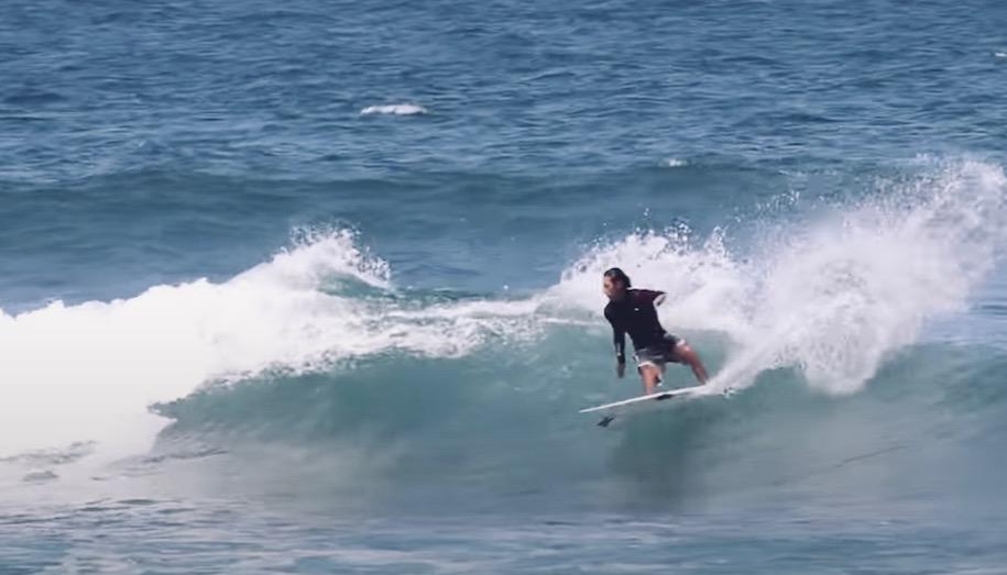 小波サーフィン攻略方法をプロが伝授!小波マスターになる為の3つのコツ