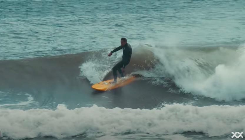 【大人サーフィン】初めてのミッドレングス7'0″で宮崎県の波をクルーズ!水元公志 赤田健